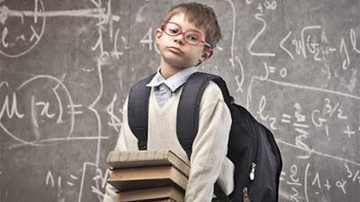 6 Penyebab Tas Sekolah Anak Beratnya Seperti Tas Pasukan Perang