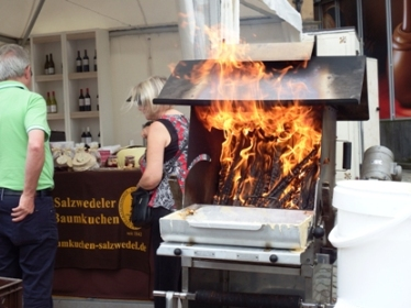 proses pembuatan Baumkuchen