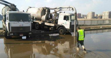 ماسورة مياه تحول المرور بطريق اسكندرية الصحراوي