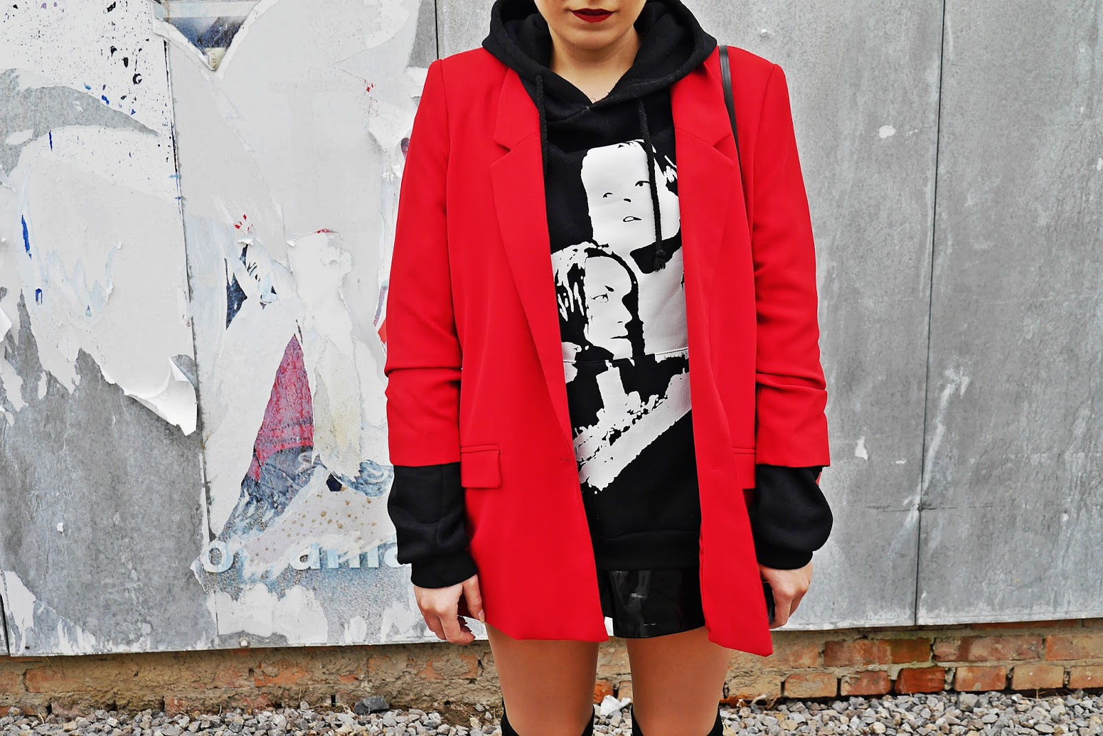 3_red_jacket_black_hoodie_titanic_karyn_blog_modowy_171017