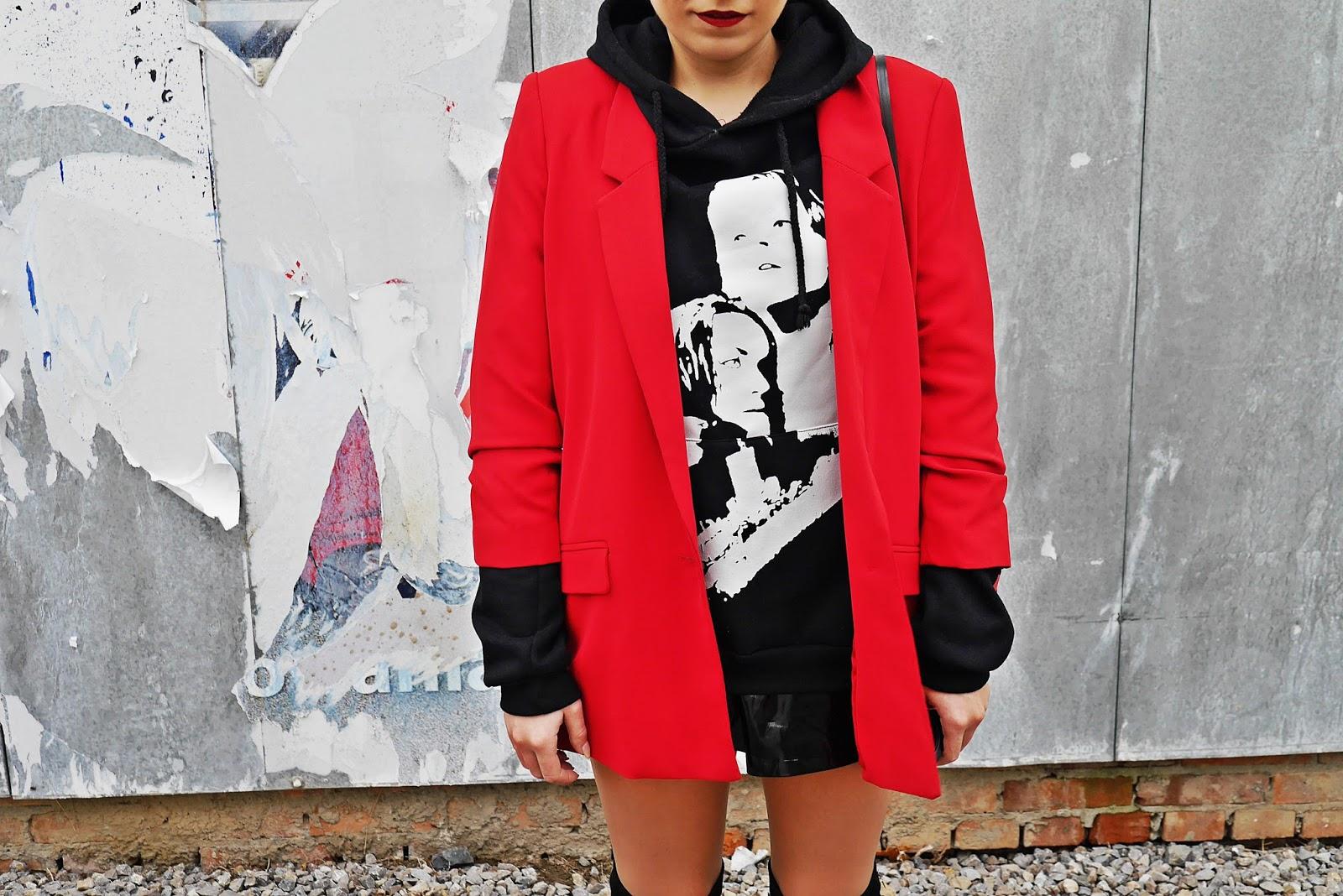 3_red_jacket_black_hoodie_titanic_karyn_blog_modowy_171017