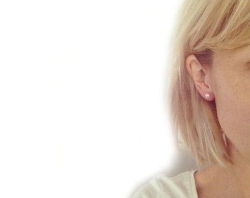 Boucles d'oreilles perles blanches, idéales à toutes ! - Blog