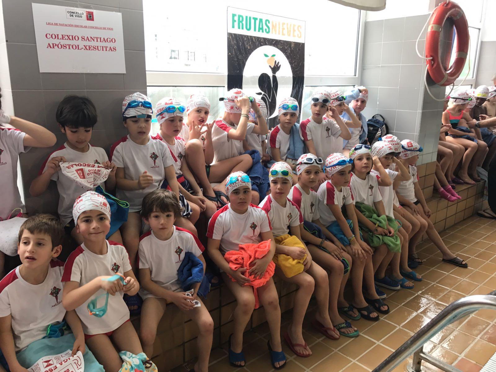 Anpa jesuitas vigo 1 jornada de la liga escolar de natacion for Piscina del carmen vigo