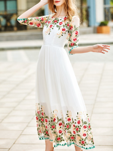 https://www.stylewe.com/product/3-4-sleeve-girly-floral-embroidered-a-line-evening-dress-109051.html
