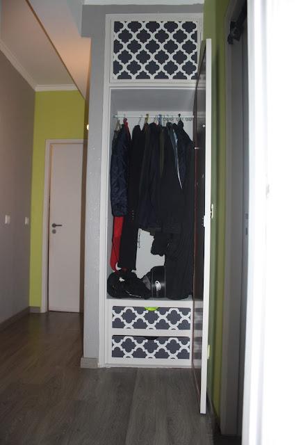 guarda-roupa de corredor renovado