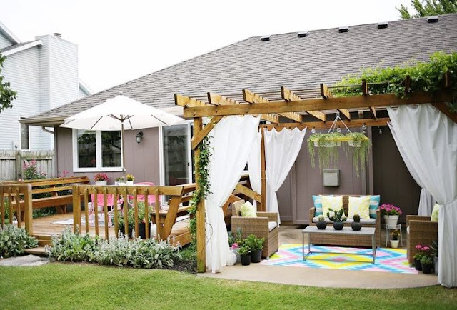 Pergola Design Ideas With Curtains to Turn Your Garden Into a Peaceful Refuge