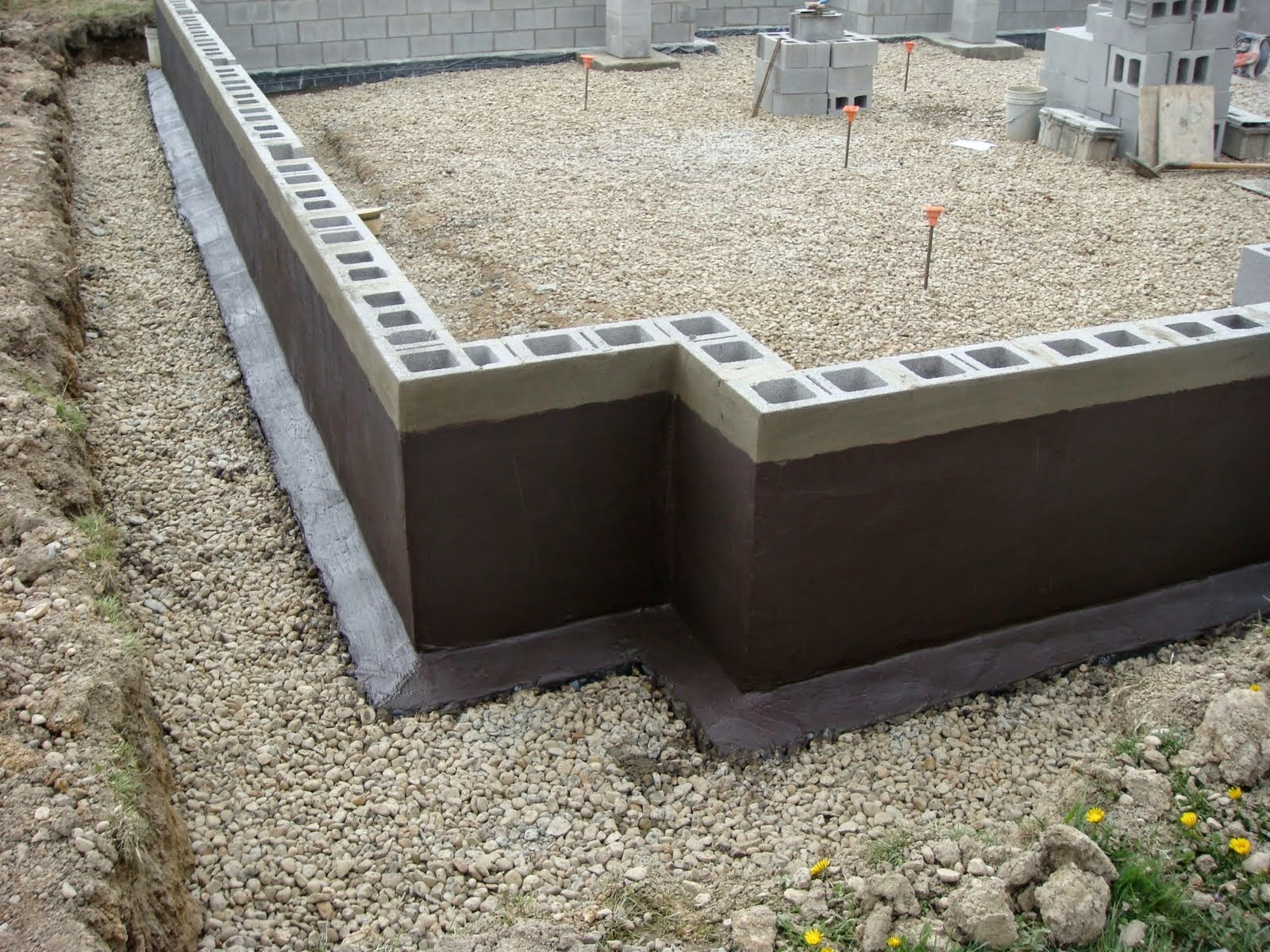 Concrete block foundation advantages and disadvantages for Foundation plan of a 2 storey house