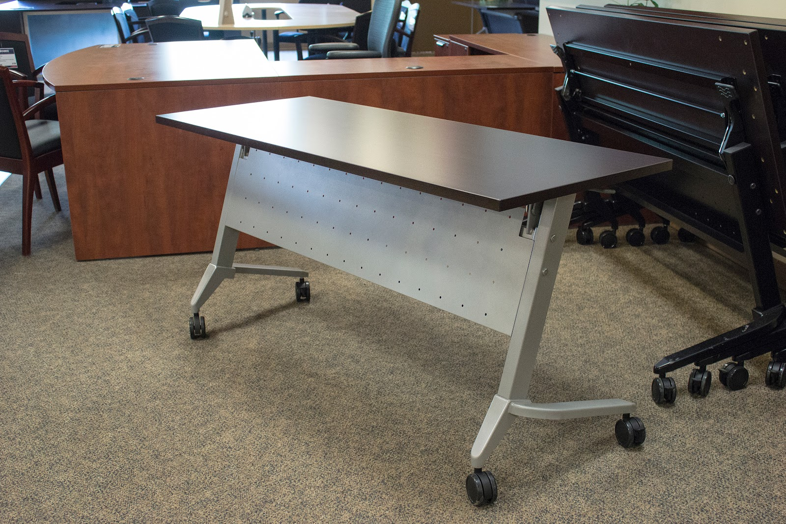 Office Chair Kelowna Selig Lounge 21 Lastest Desks Yvotube