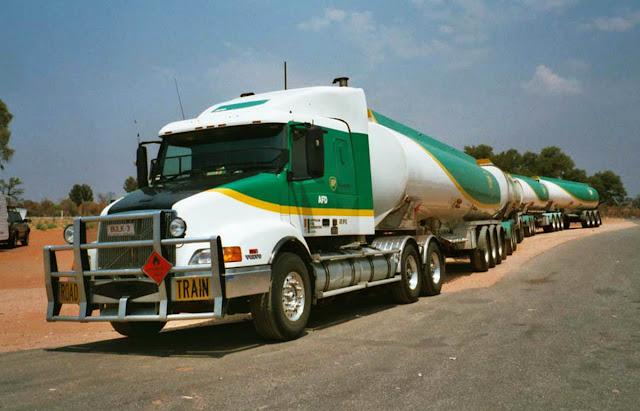 Caminhão mais longo do mundo em atividade