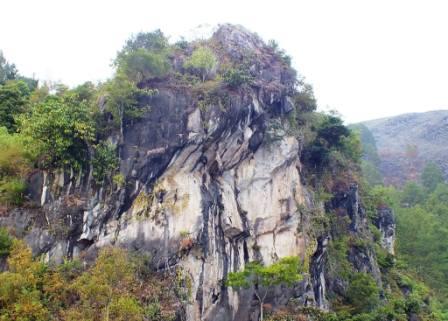 Batu Gantung Danau Toba, Parapat.