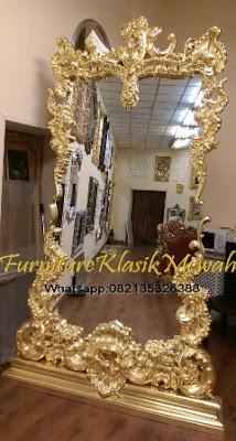 Kaca Cermin Ukir Jepara-Furniture Klasik Mewah.