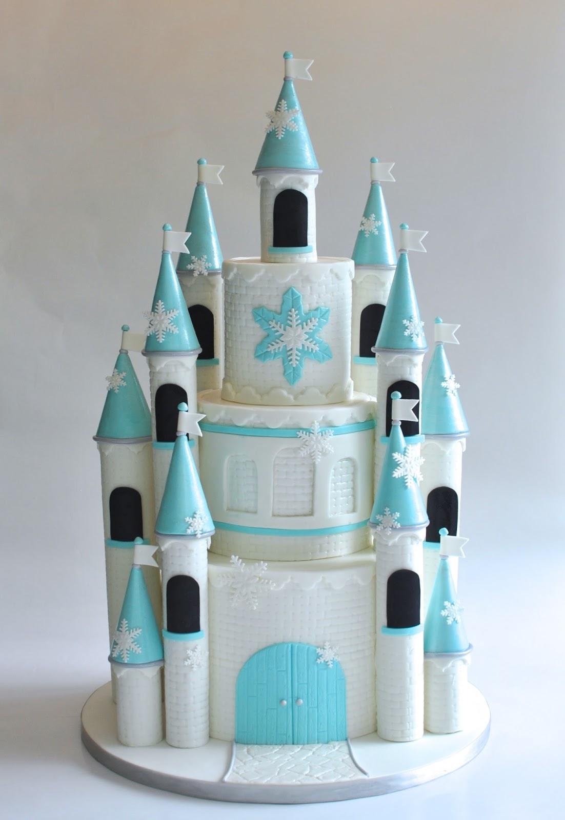 Hope S Sweet Cakes Frozen Castle Cake