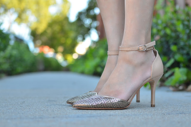 gold heels Joanna Joy fashion blogger style blogger