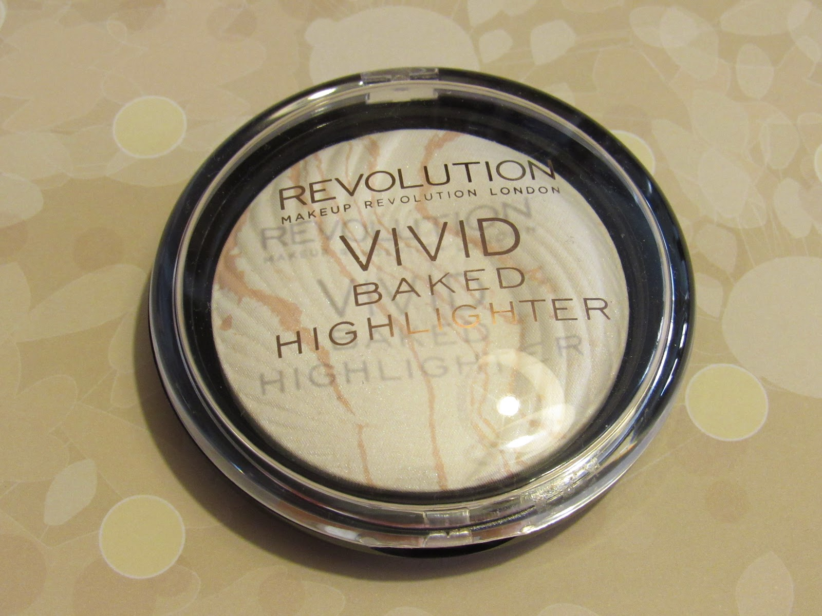 Blooming Fiction, lifestyle blog, Makeup Revolution Vivid Baked Highlighter