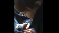 คลิปหลุดสุดแซ่บ!! หนุ่มจีนนั่งให้สาวอมในรถก่อนเข้างาน ลีลาไม่ธรรมดาจริงๆ