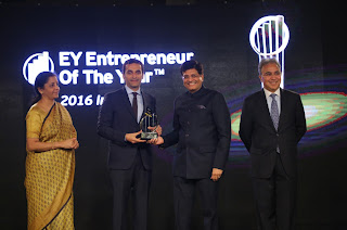 Vikas Oberoi awarded the EY Entrepreneur of the Year - Real Estate and Infrastructure