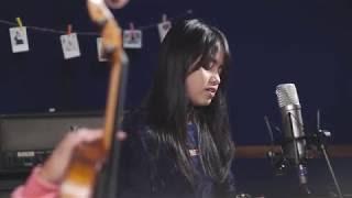 Lirik Lagu Menunggu Kamu (Anji) Versi Hanin Dhiya (Cover)