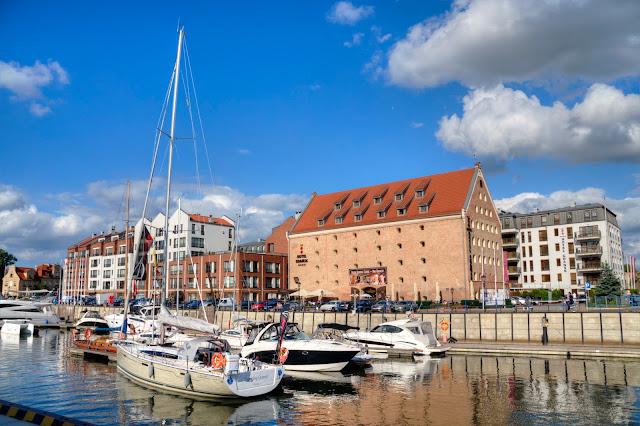 marina w Gdańsku jachty i łodzie