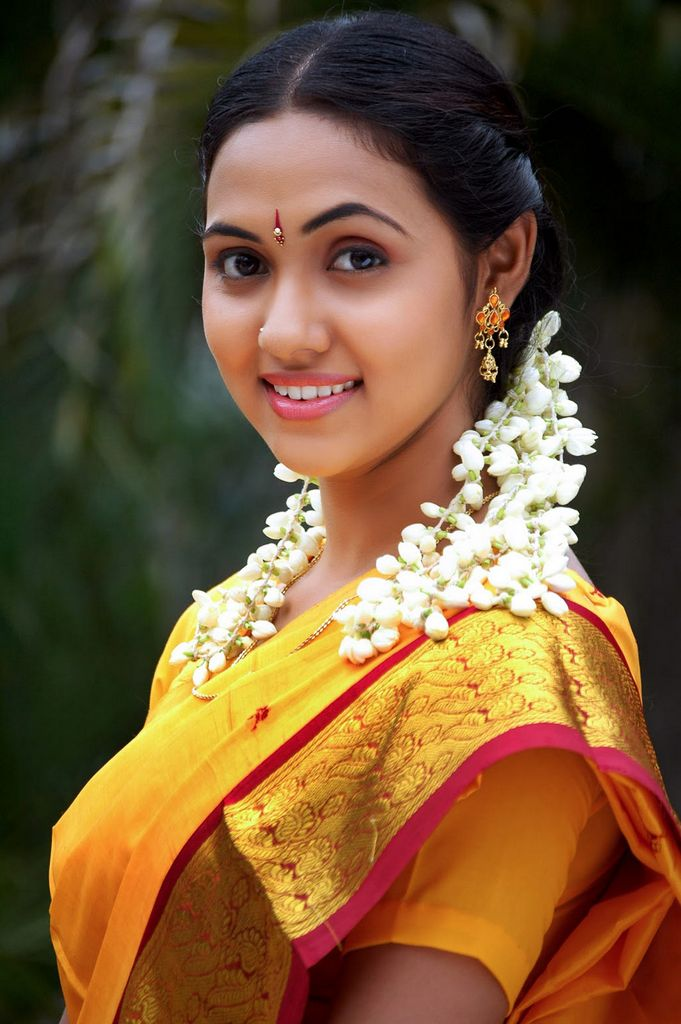 actress saree tamil thamali indian south heroine stills natural actresses beauty yellow half spicy actors latest kollywood rul