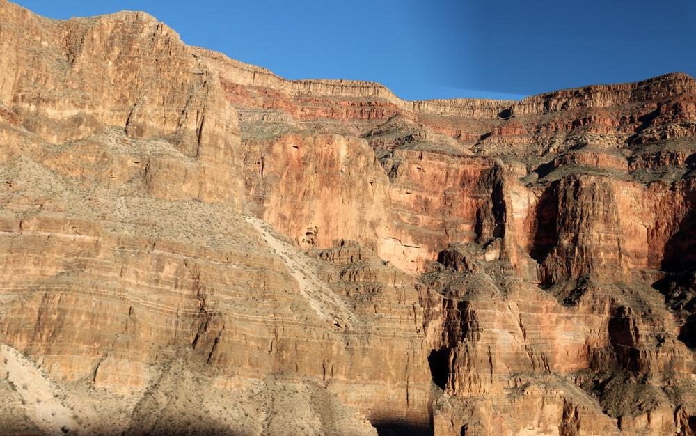 Helikopterilla Grand Canyoniin 24