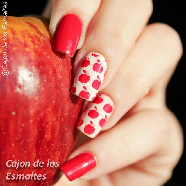 Uñas rojas y manzanas