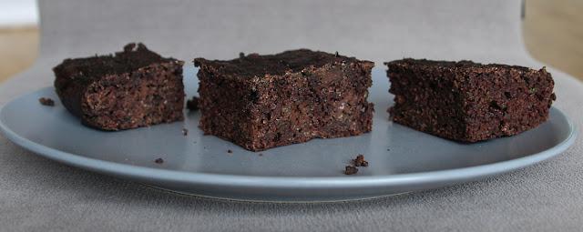 Pyszne, wilgotne, cukiniowe brownie (bezglutenowe)