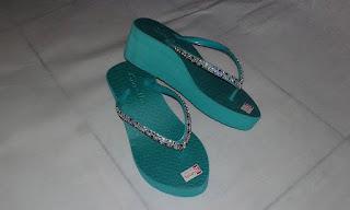 Sandal Manik-Manik Cantik (Sandal Tasik)