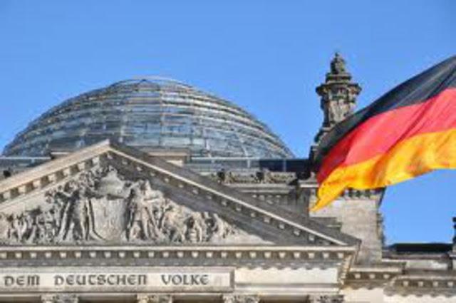 Handelsblatt: Τα μνημόνια έσωσαν τις ευρωπαϊκές τράπεζες και όχι τους Έλληνες