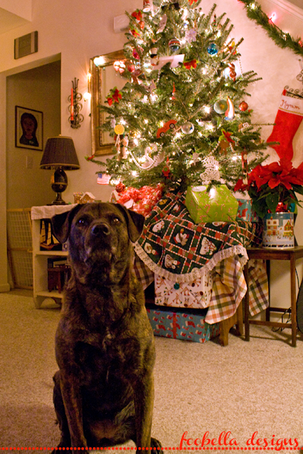 Christmas Tree and Mollie the dog via foobella.blogspot.com