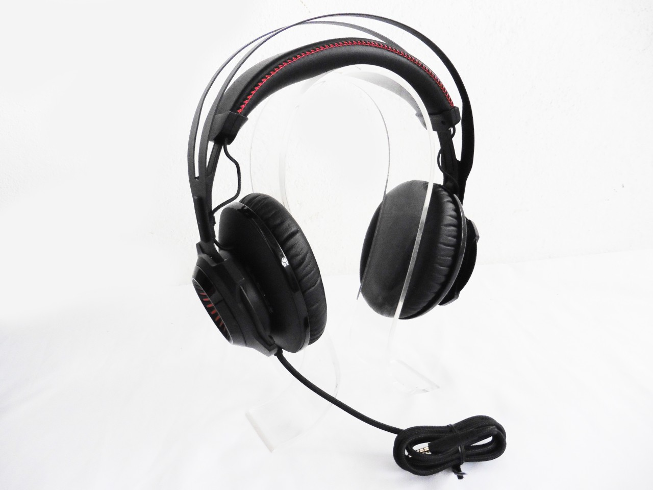 Kind of lining can you expect on the kingston hyperx cloud ii headset - The Design Of The Hyperx Cloud Revolver Looks Nothing Like Any Hyperx Cloud Headset We Ve Seen In The Past And It Does Remind Us Of The Steelseries Siberia
