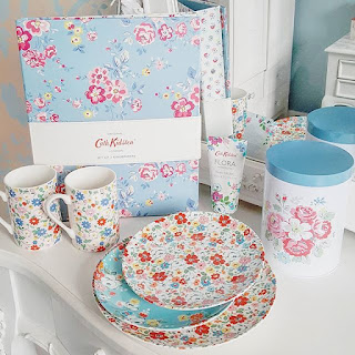 http://www.victorias-vintage.co.uk/2017/09/life-in-instagram-august.html