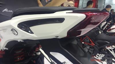 2016 Benelli Tornado 302 taillight