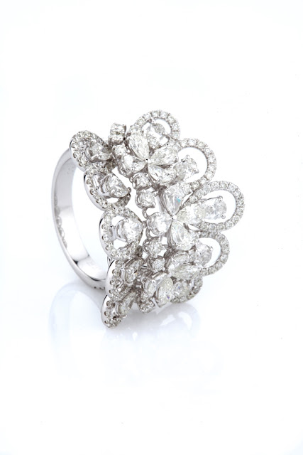 03 Entice Irresistible_ floral ring with pear & round diamonds