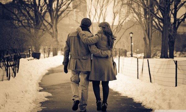 Couple Romantic Images for Whatsapp