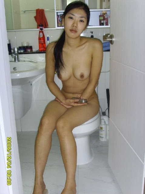 Korean girlfriend nude pic
