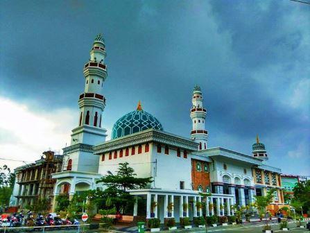 Masjid Oman Lampriet