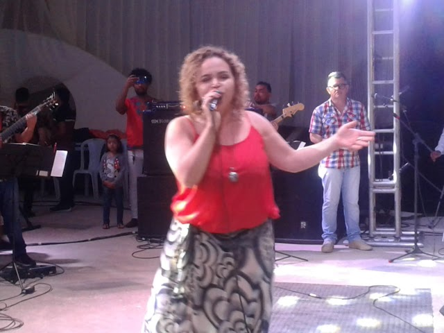 """Renata Del Pinho consagrada com a canção """"Sublime Veneno"""" a melhor do festival ouremense 2019"""
