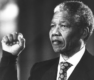 nelson mandela fist - Mandela Has Pneumonia, Breathing 'Without Difficulty'