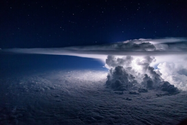 22 Breathtaking Images Of Things You've Never Seen Before - That's what a big storm looks like from 37 thousand feet above the ocean.