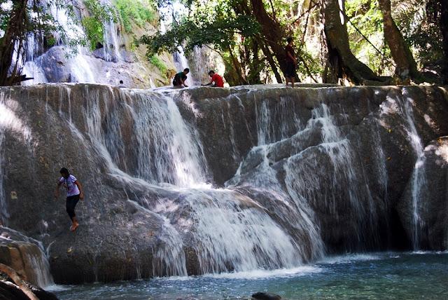 Air Terjun Oenesu Kupang