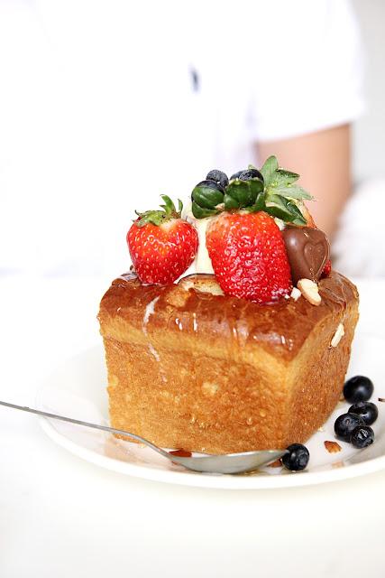 fruit japanese honey toast