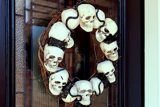 Spooky Skeleton Wreath by Snap Creativity
