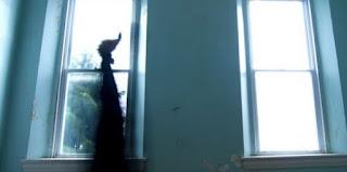 Ζευγάρι σε στοιχειωμένο σπίτι πληρώνει £25.000 για νταντά