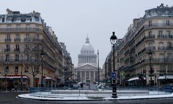 fotos de Paris com neve