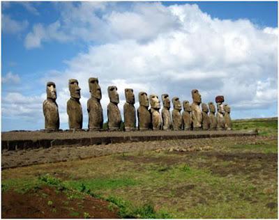 Easter%2BIsland.  7 Monumen Misterius di Dunia
