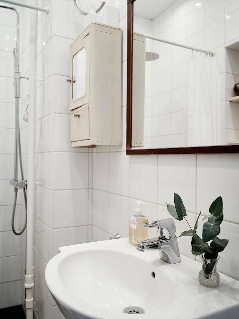 styl skandynawski, jasna łazienka