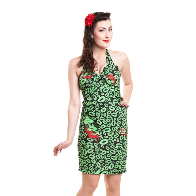 The Green World Poison Ivy Collecting  Apparel and Cosmetics b93793c87
