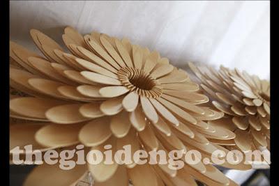 Thế Giới Đèn Gỗ - Đèn gỗ trang trí hoa cúc 7