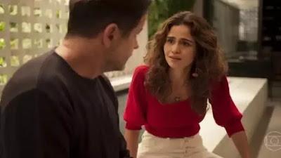 Raul e Érica em cena da novela Amor de Mãe (Foto: Reprodução)