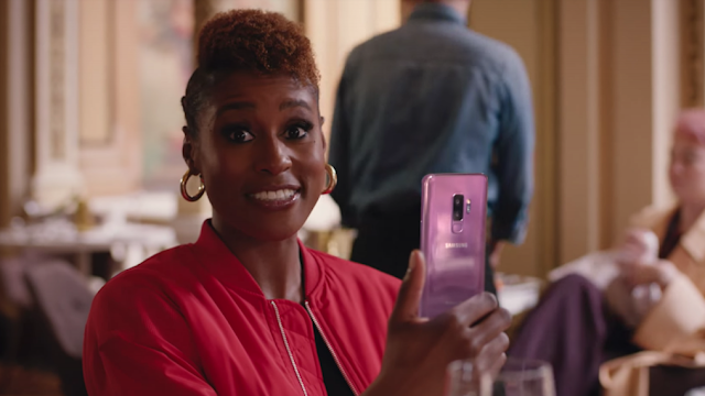 Issa Rae, Constance Wu and  Taika Watiti Make Something Awkward for Samsung Galaxy S9 Promo